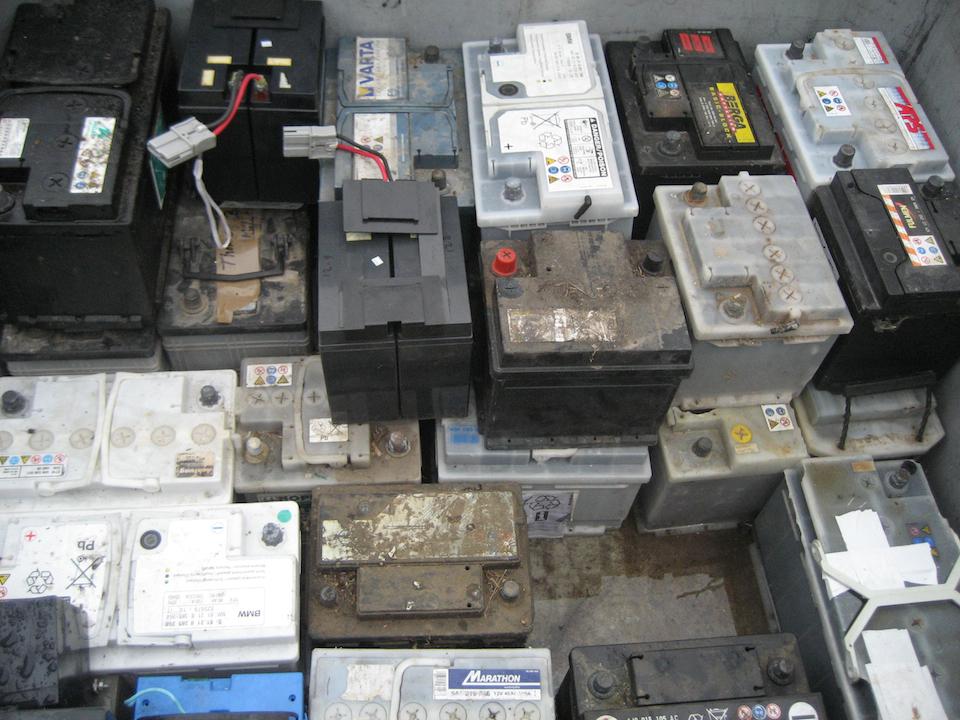 Batterieentsorgung / Autobatterie entsorgen