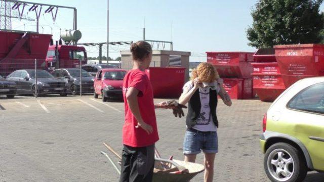 Lucy Diakosvka No Angel zu Gast bei Containerdienst Stefan - 03