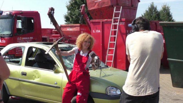 Lucy Diakosvka No Angel zu Gast bei Containerdienst Stefan - 07