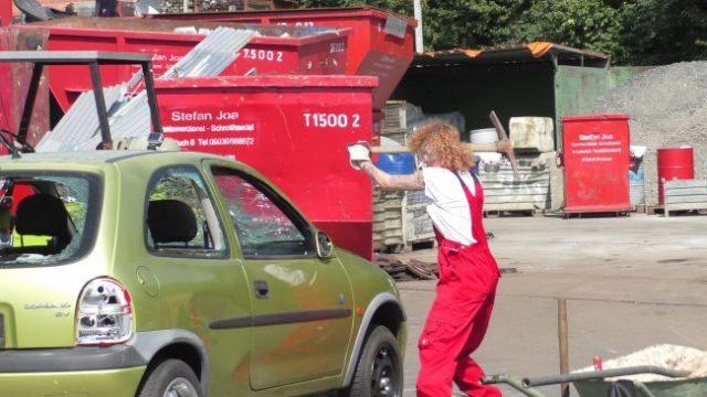 Lucy Diakosvka No Angel zu Gast bei Containerdienst Stefan - 09